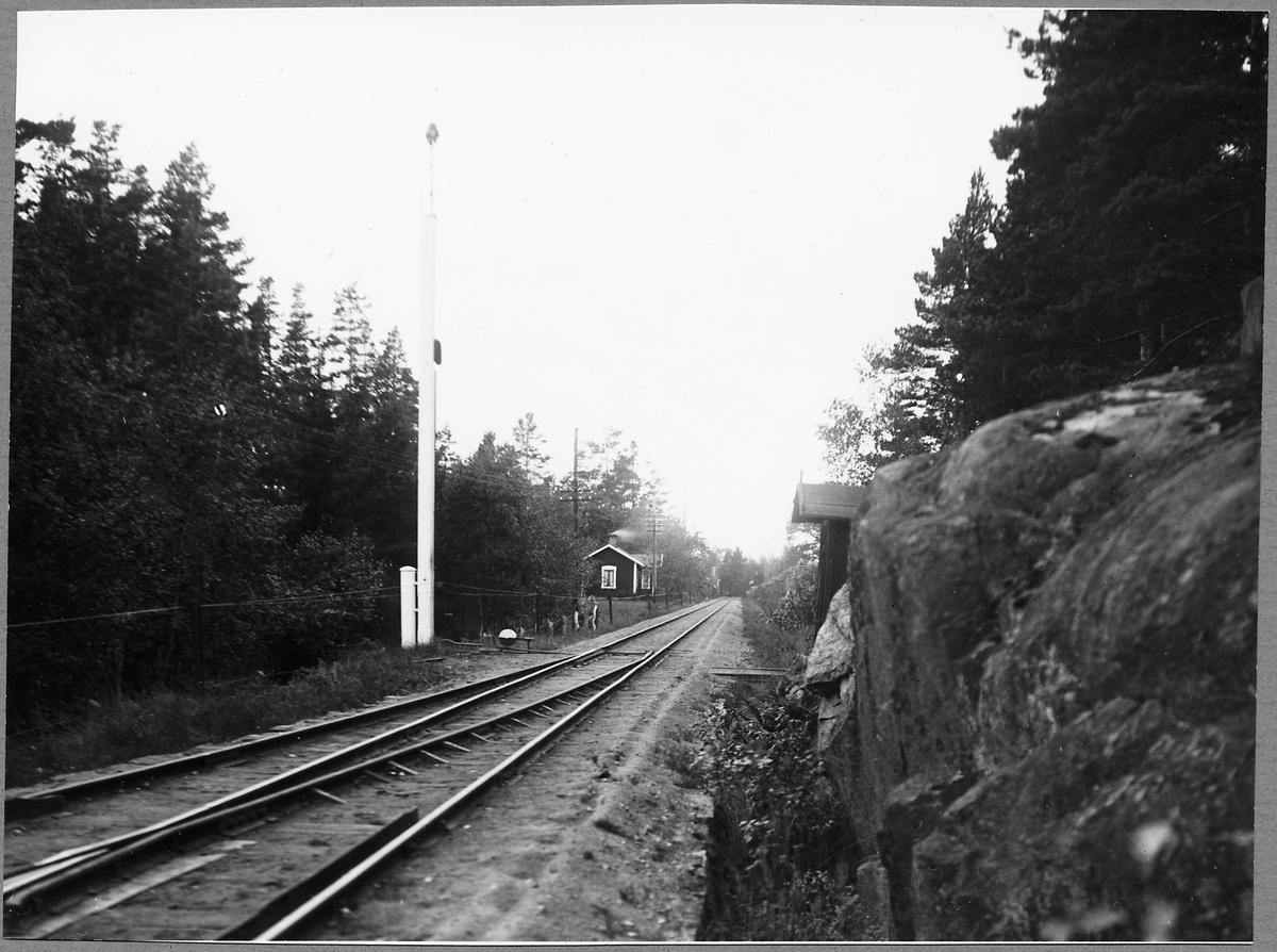 Banvaktstuga 966 på spåret mot Ankarsrum Bruk, på linjen Hultsfred - Jenny.