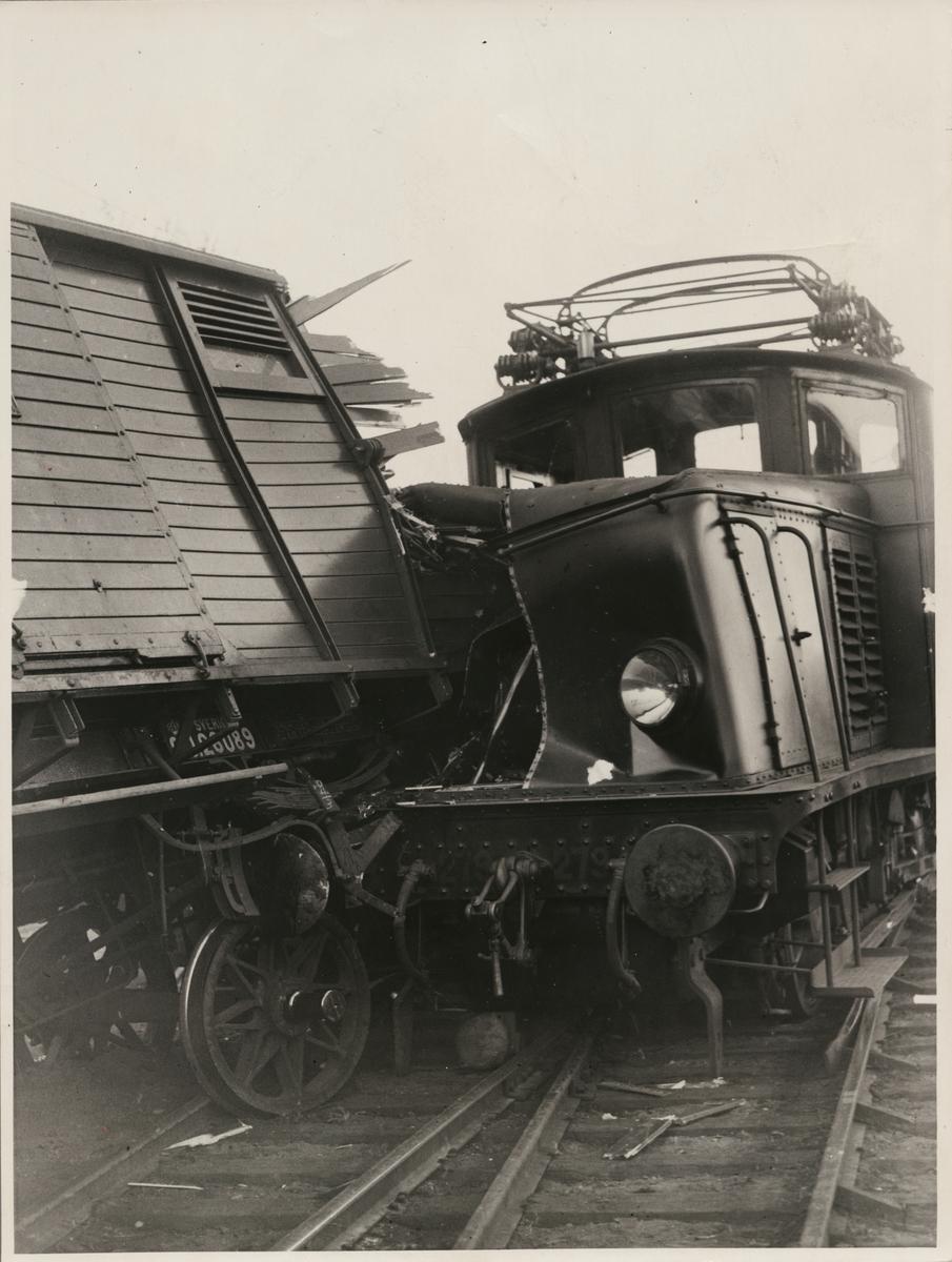 Tågolycka vid Stockholms Södra maj 1935. Statens Järnvägar, SJ Ub 279.