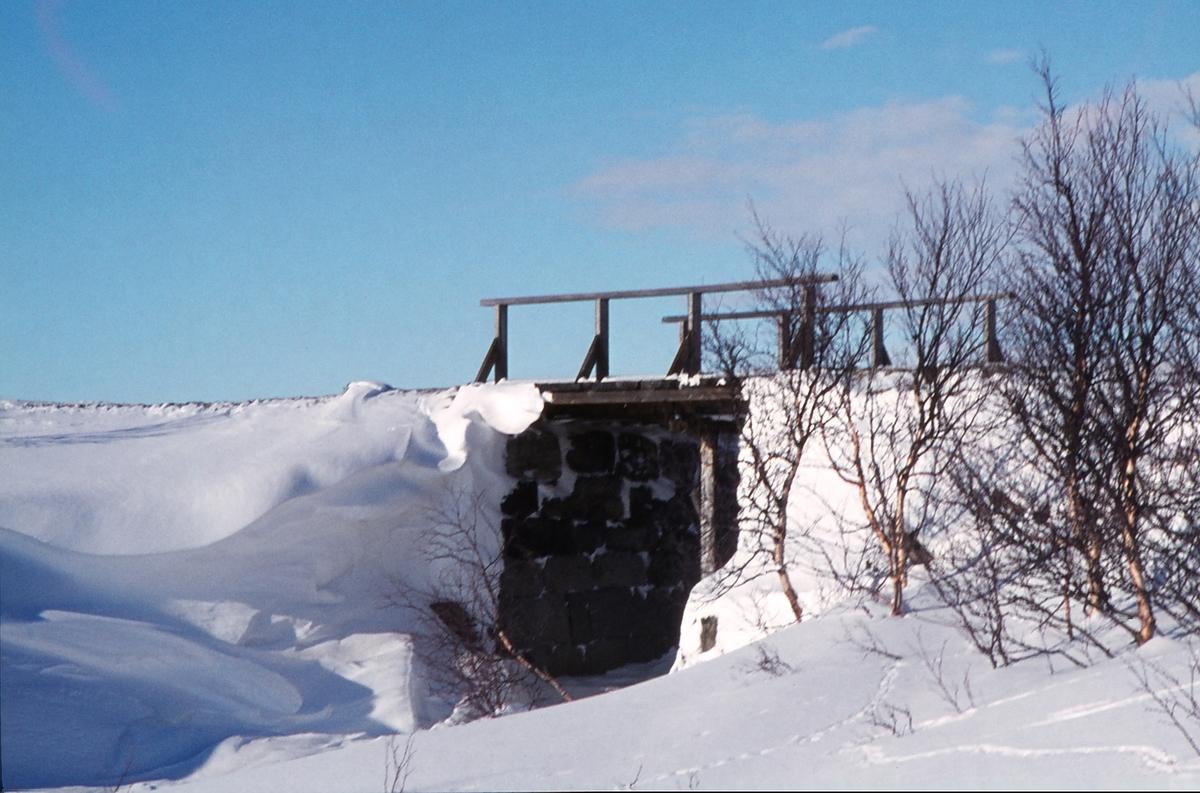 Fra Arvedalslinjen, Kongens gruve jernbane, Rugldalen stasjon (Tyvold) - Kongens gruve. Bro over Orva.