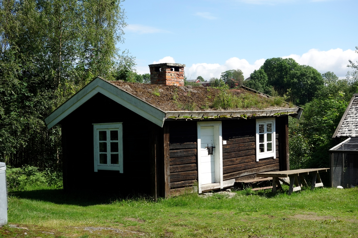 Kopi av husmannsstue, satt opp av gamle materialer i 1971.