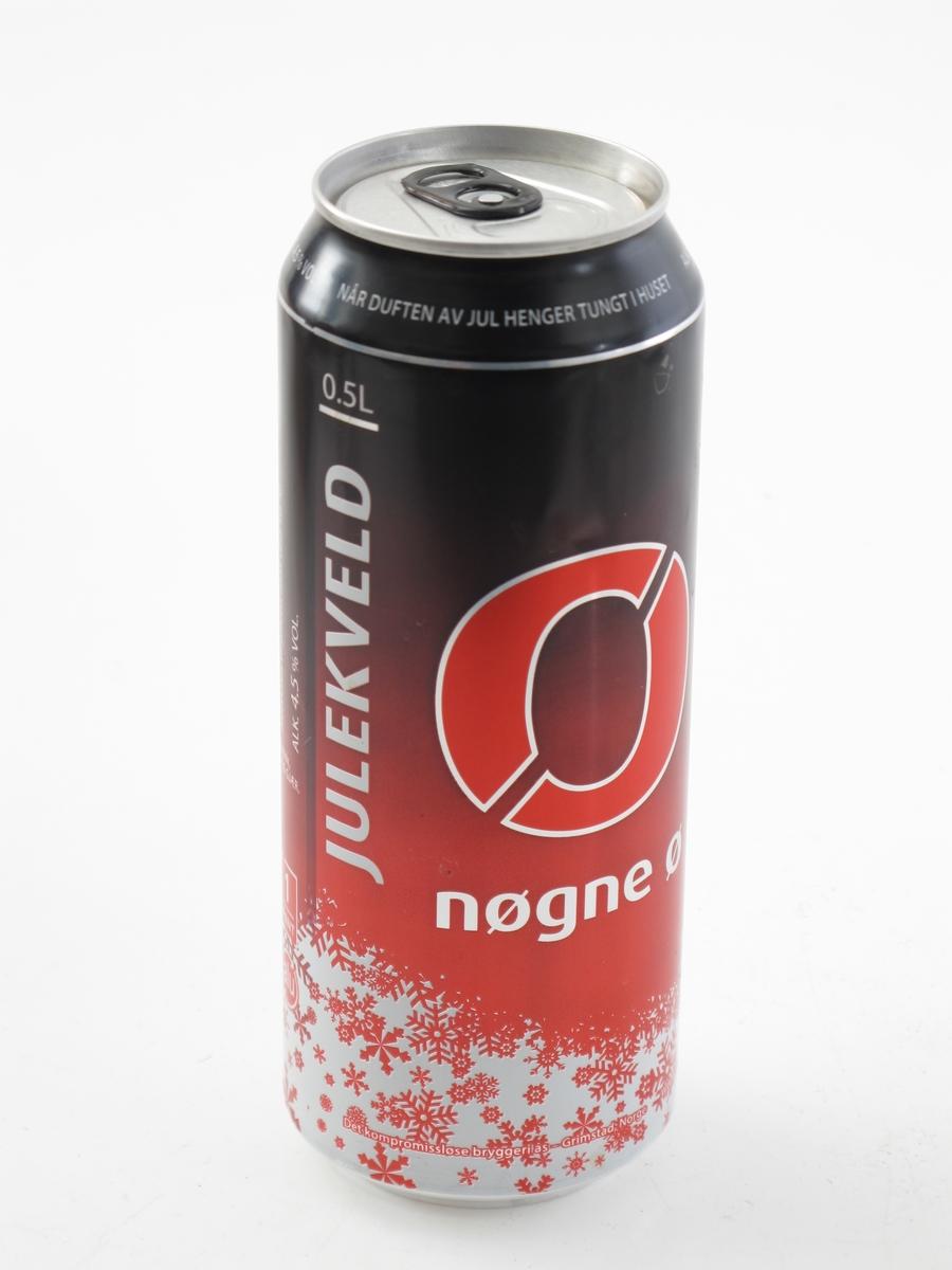 """Rund boks av aluminium. Rød farge, Nøgne ø s """"julekveld"""", produsert før jul 2015."""