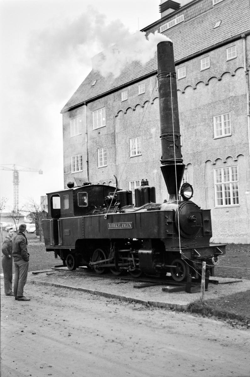 Urskog-Hølandsbanens lokomotiv nr. 5 Bjørkelangen ved Norges Tekniske Høyskole i Trondheim