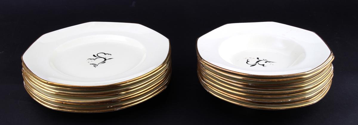9 suppetallerkener og 8 middagstallerkener med håndmalt dekor.