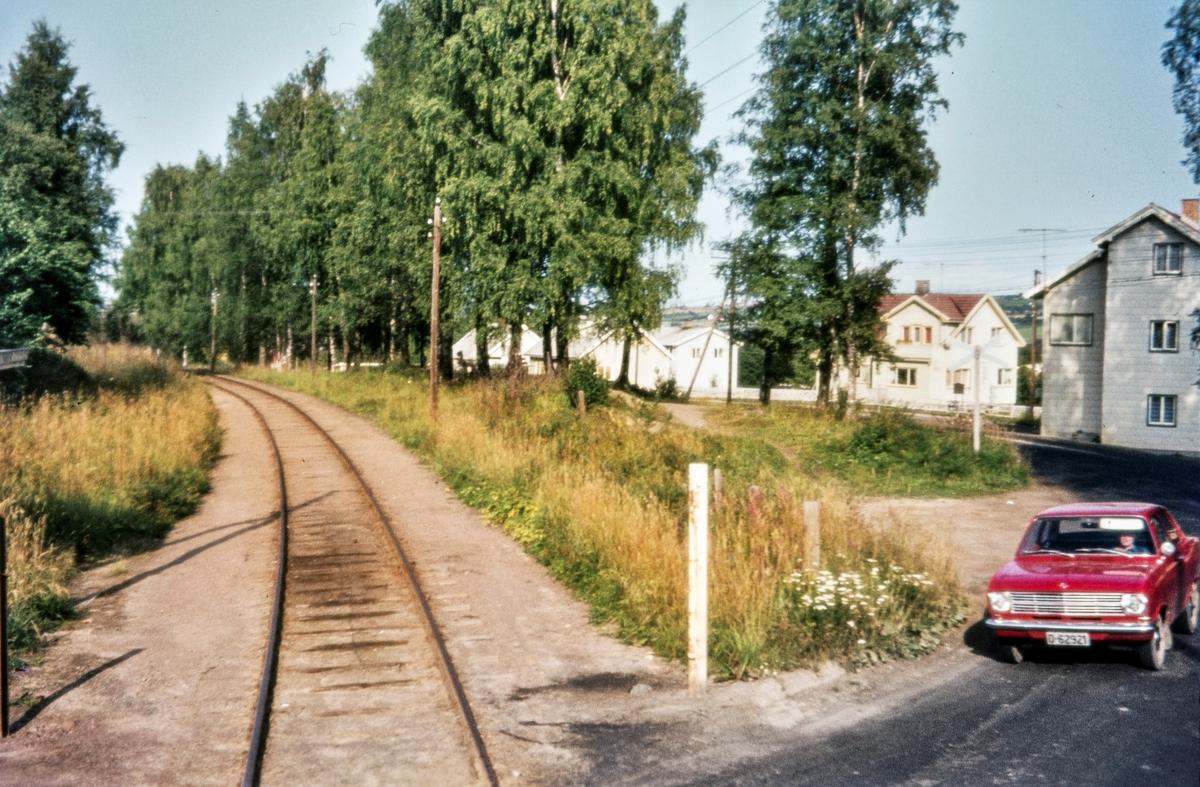 Usikret planovergang ved Skreia stasjon på Skreiabanen