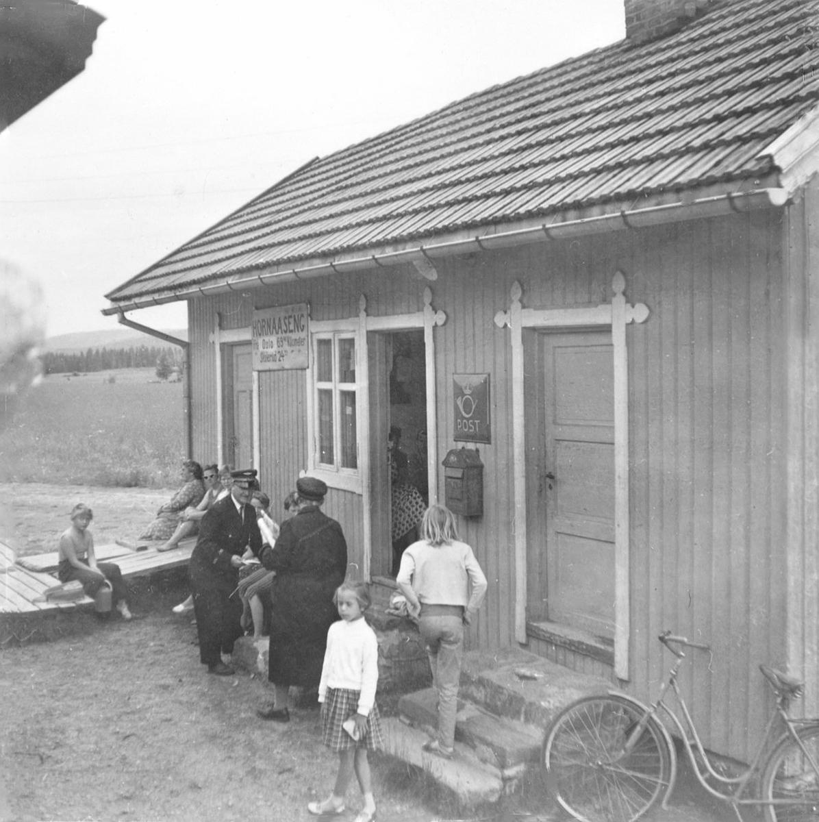 Hornåseng stasjon, sett fra et av de siste ordinære tog på Aurskog-Hølandbanen