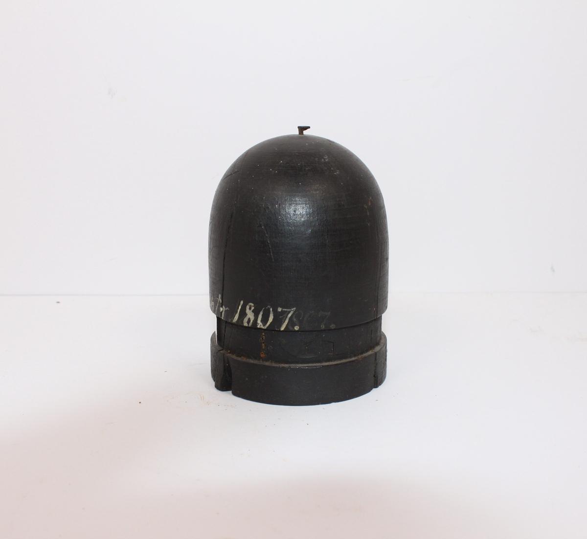 Sylinder halvkuleformet i tre fra København 1807