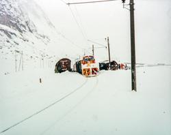 Snøryddingstog, redskapsvogner og avsporede godsvogner ved O