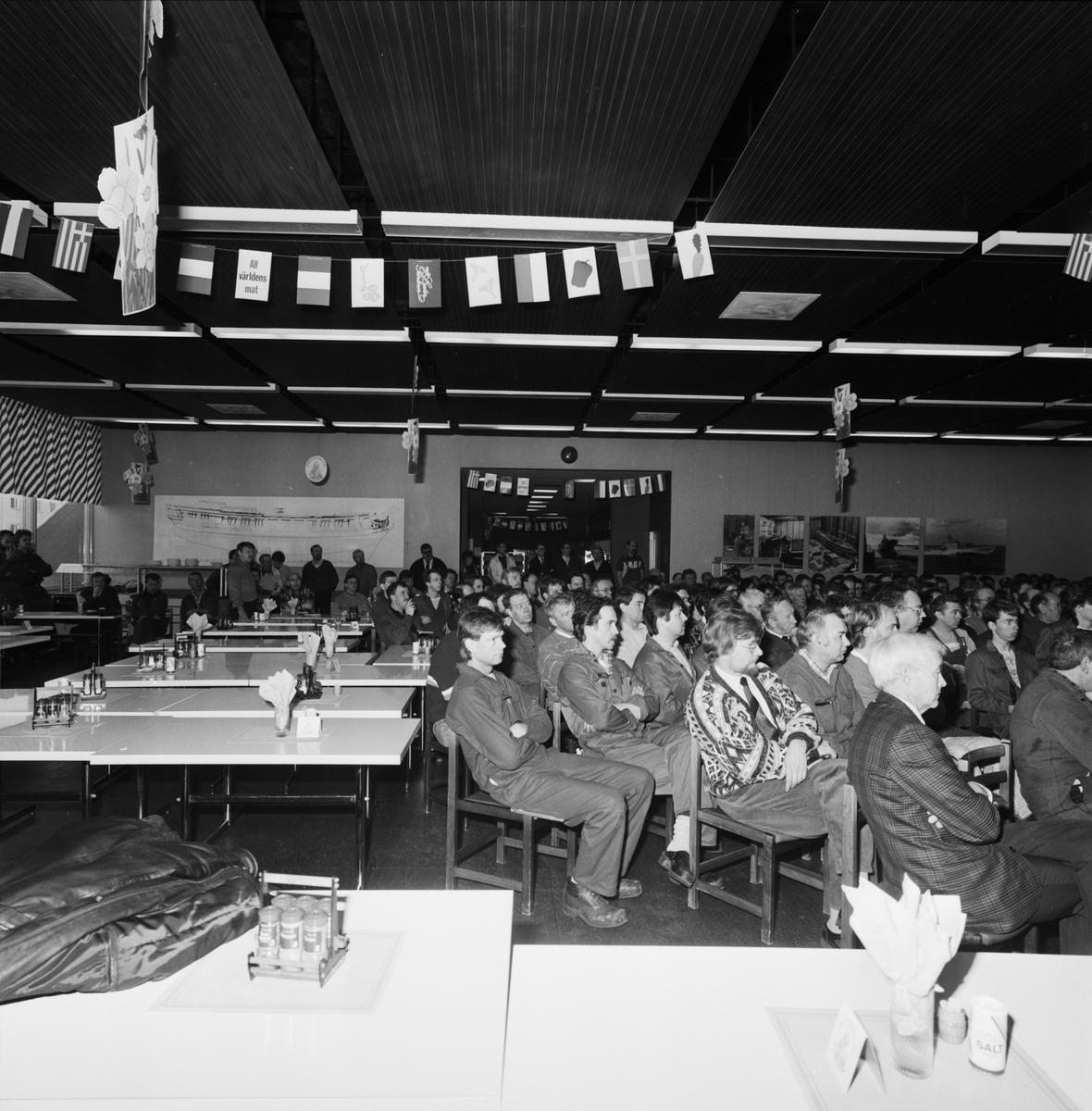 Informationsmöte för samtliga anställda matsalen