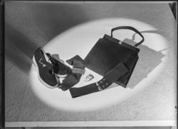 """Skor, väska, handskar. """"Diverse 1943"""""""