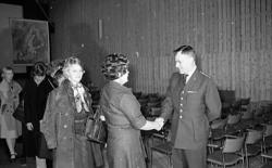 Gärdin, Gösta avgår som regementschef.