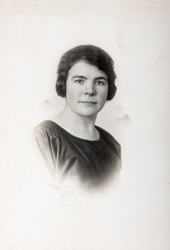 Portrett, Ragnhild Berntsen (1895-1990). Hun kom fra plassen