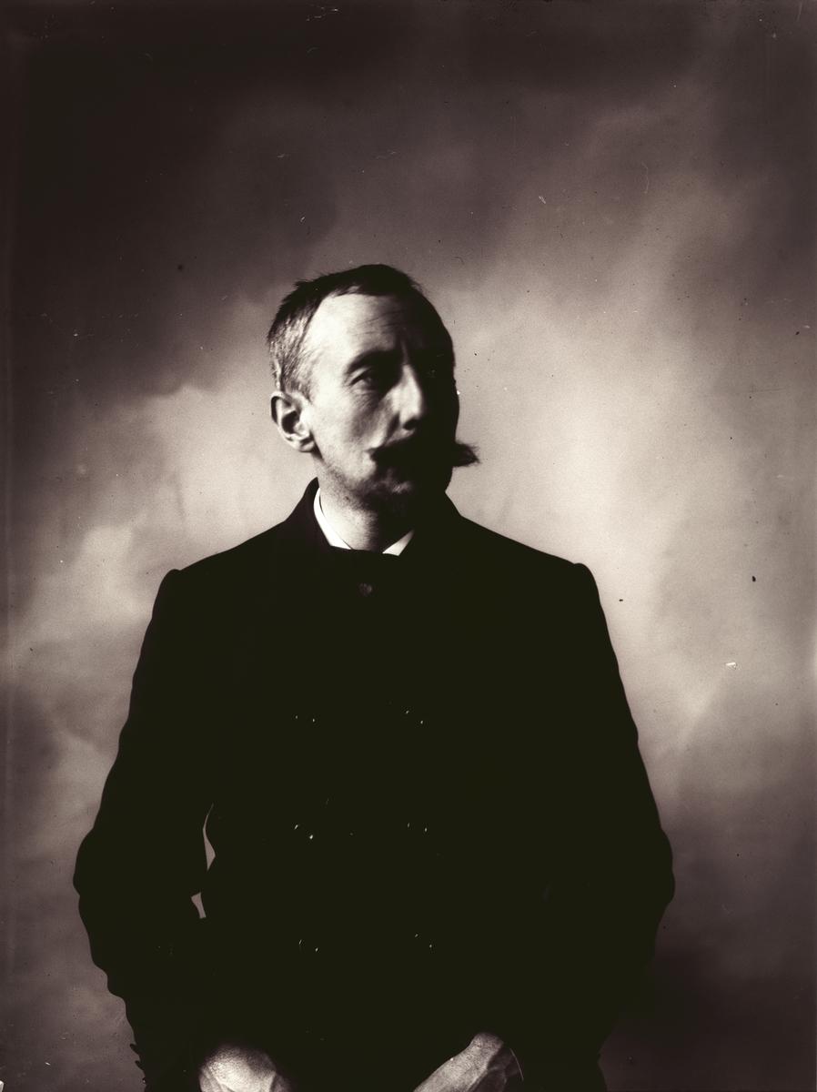 Portrett av Roald Amundsen fotografert 1907.