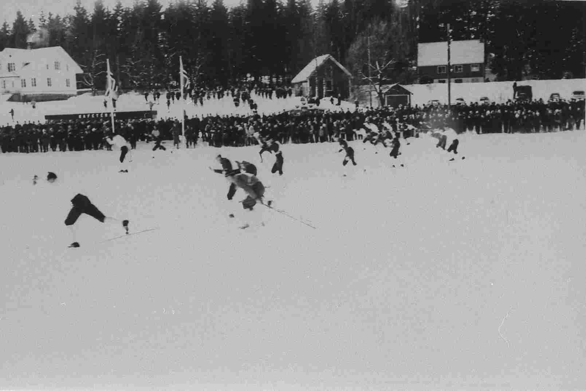 Bilder fra Birkenes kommune Stafettstart NM på ski i 1963