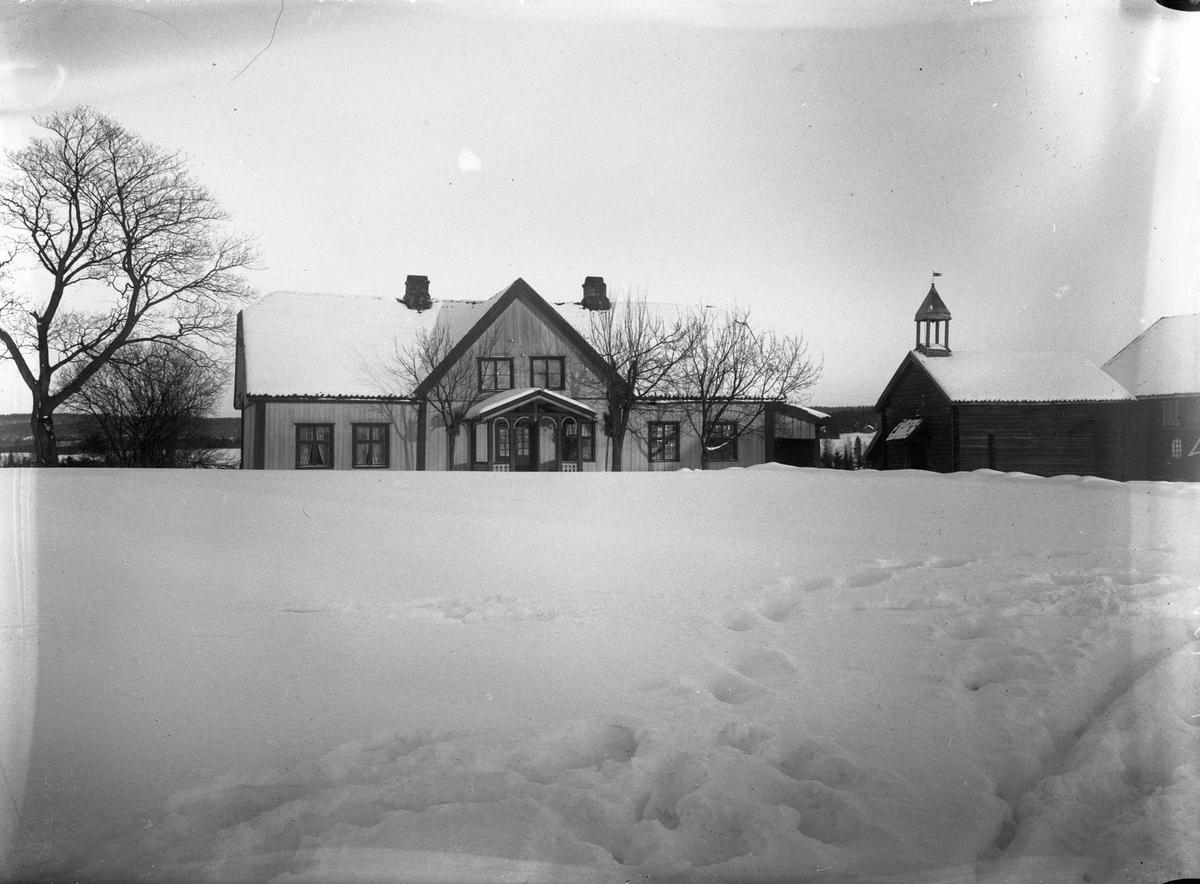 Gårdsbruk 12.04.2013: Bildet er fra Hjera (nedre) i Eidsvoll. Fotografering før 1925. Skrevet av: Trond Gundersen