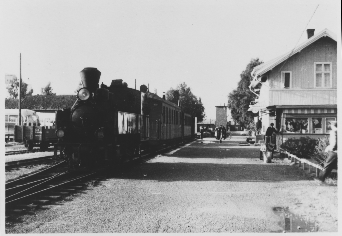 Tog retning Skulerud trukket av lok 7 Prydz.