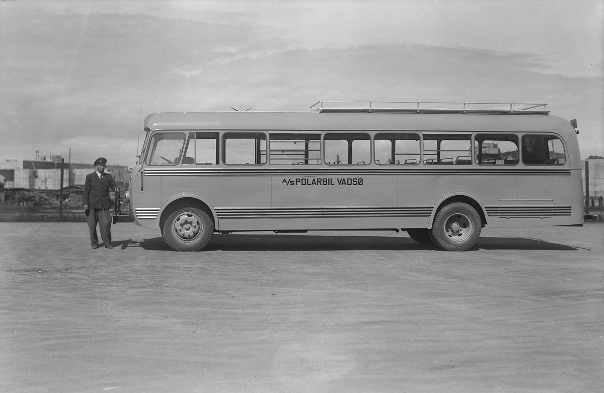 Buss fra Johs. Olsen Vognfabrikk
