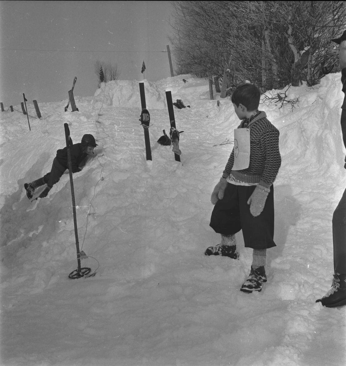 Vingelen, filminnspilling av freske fraspark, barn, vinter, skihopping, ski, staver