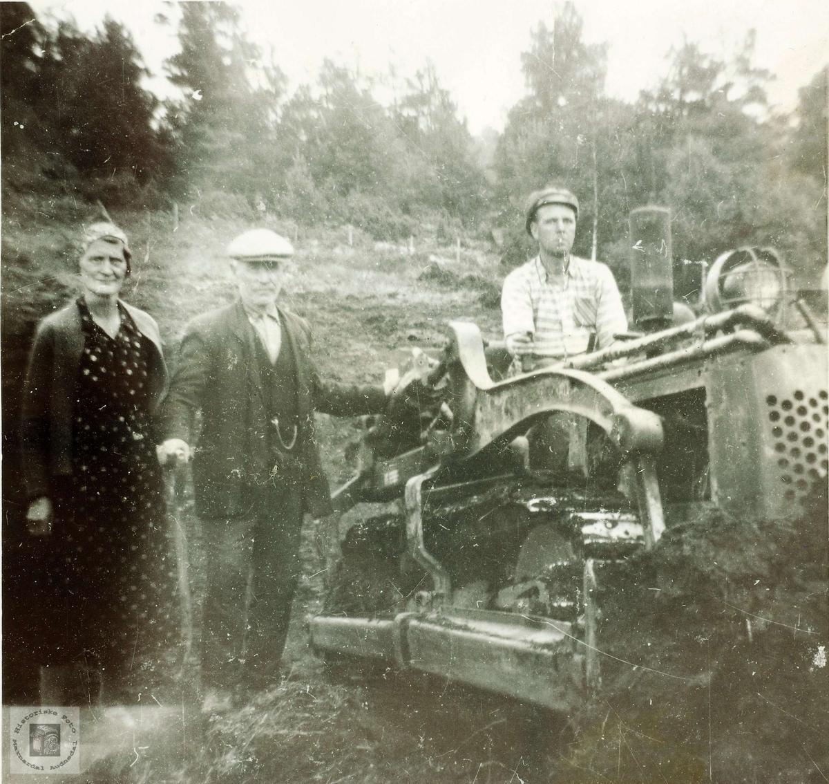 Gunvald Håland i buldoseren. Audnedal.