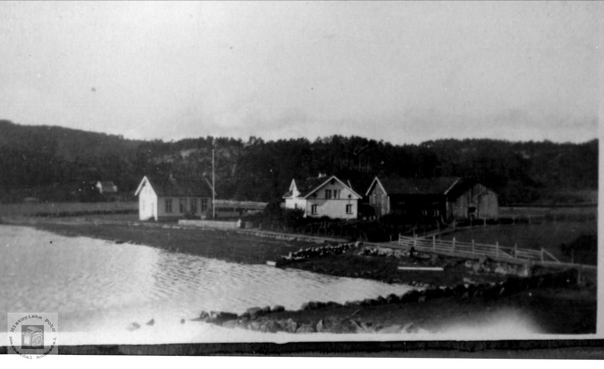 Høye med bedehus og Vina Høyes hus i Drivåsen, Høye i Øyslebø.