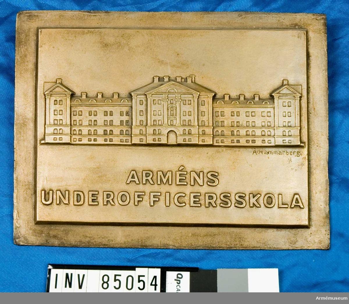 nr. 11842 Arméns Underofficersskola /Byggnad/