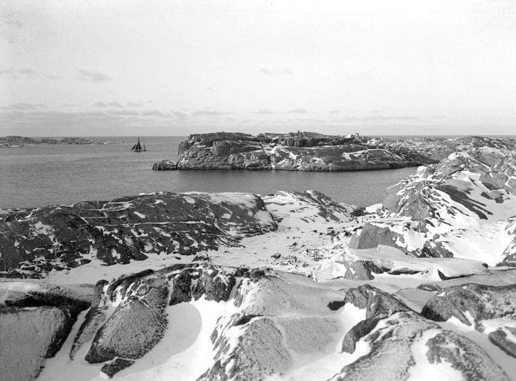 December 1923. Hästen och Bogen, Smögen.