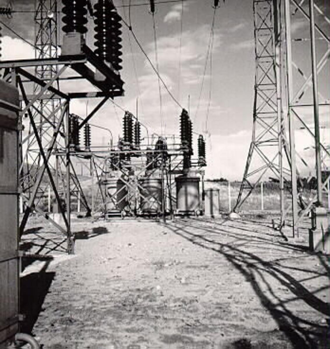 Vid Karseforsens kraftstations anläggningar.
