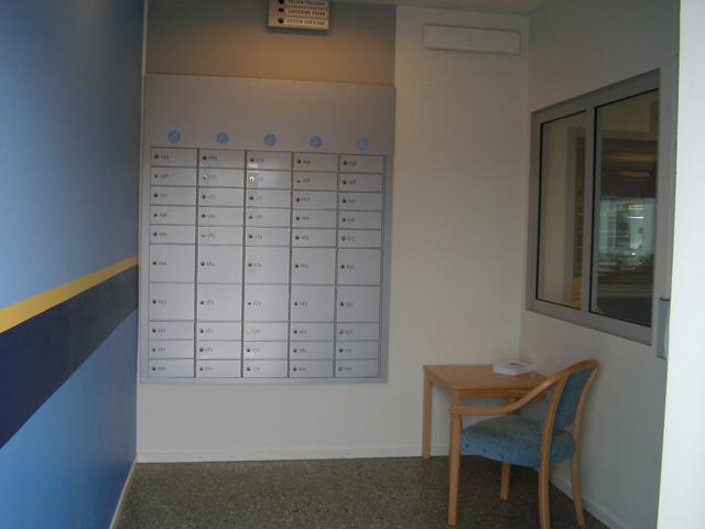 """På informationstavlan anges: """"posten försenad"""", """"sortering pågår"""" och """"posten sorterad"""""""