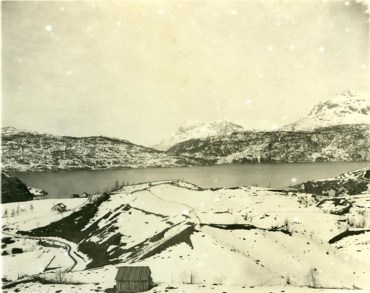 Kyrkjegard dal fjord fjell uteløe