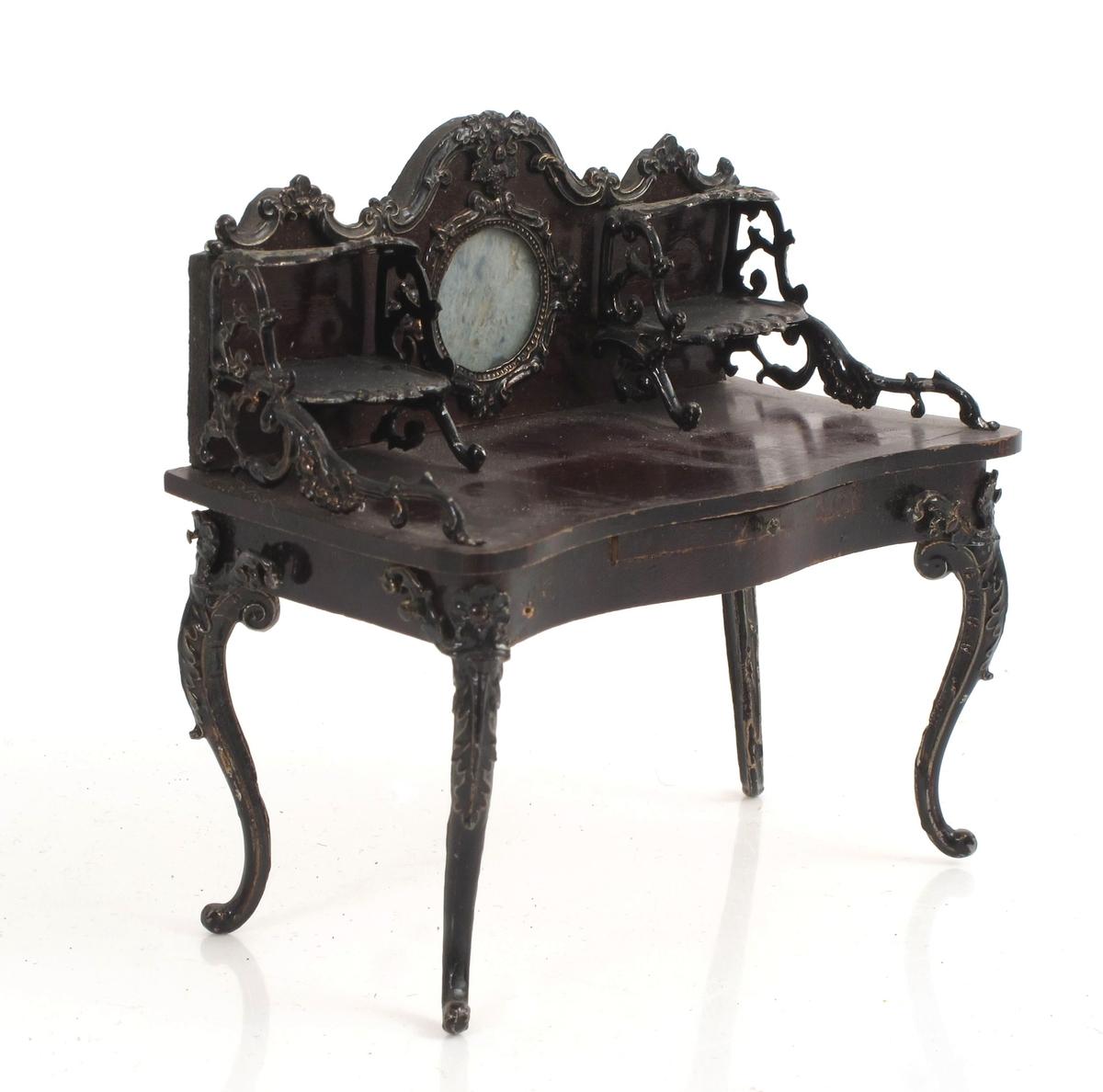 Dameskrivebord.  Nyrokokko.  Med sidehyller.  Rundt speil