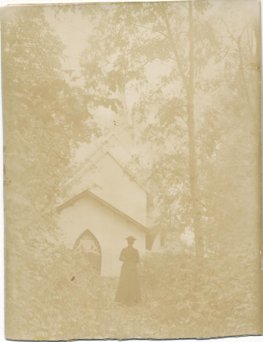 Det Wedelske gravkapell ved Sem kirke, like ved Jarlsberg Hovedgård.