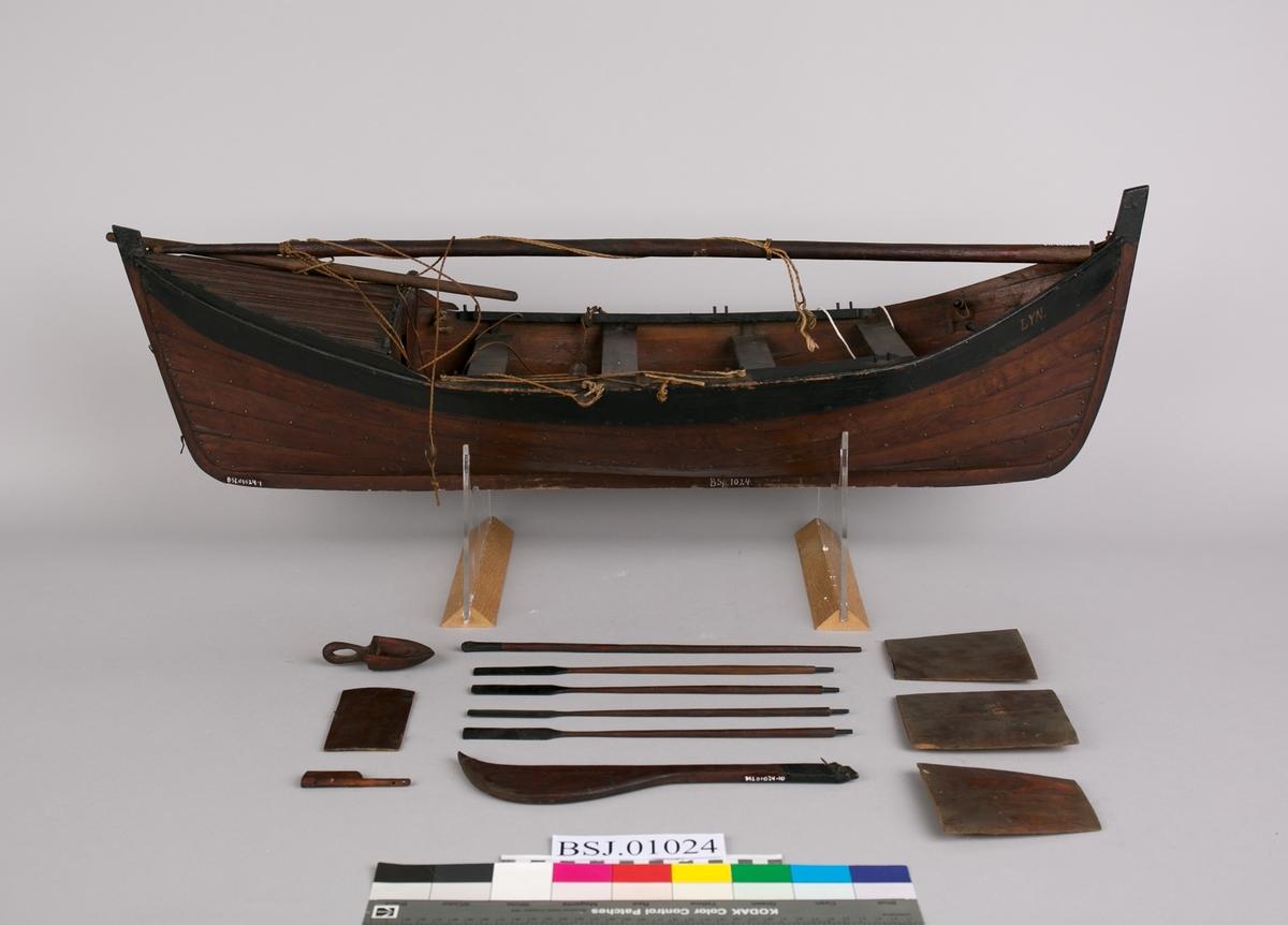 Modell av nordlandsbåt LYN