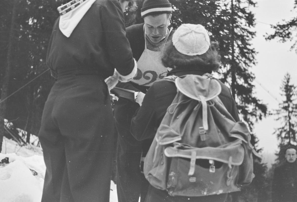 Holmenkollrennet 1939. En av hopperne.
