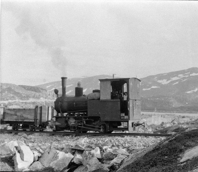 Aurabanens damplokomotiv nr 1 på Holbu