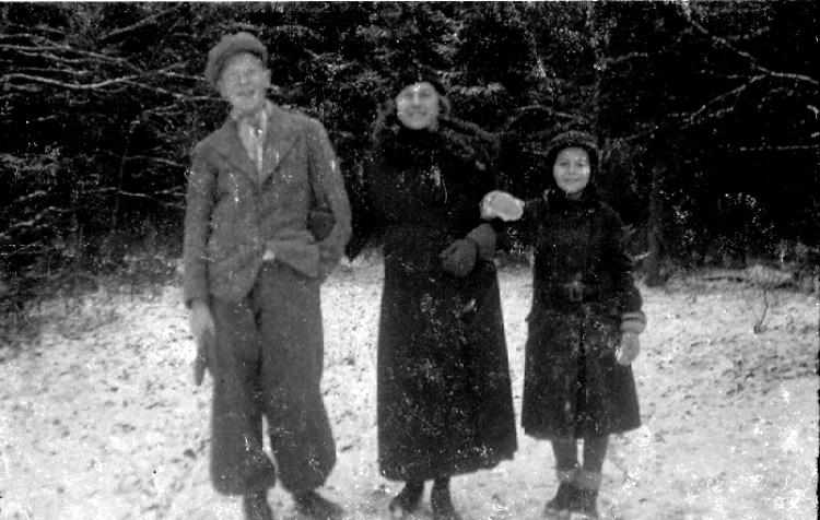 Bildtext: Familjen Rehn med flera.