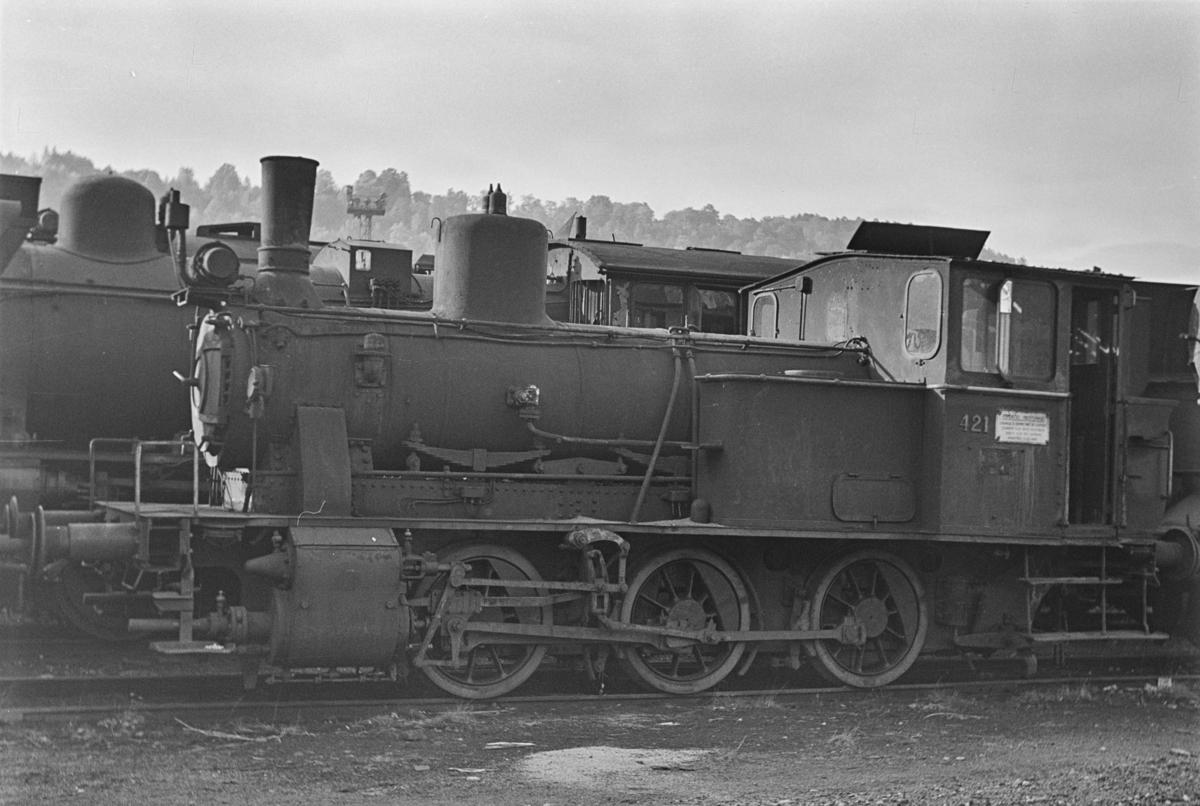 Damplokomotiv type 25d nr. 421, hensatt i Lodalen i Oslo.