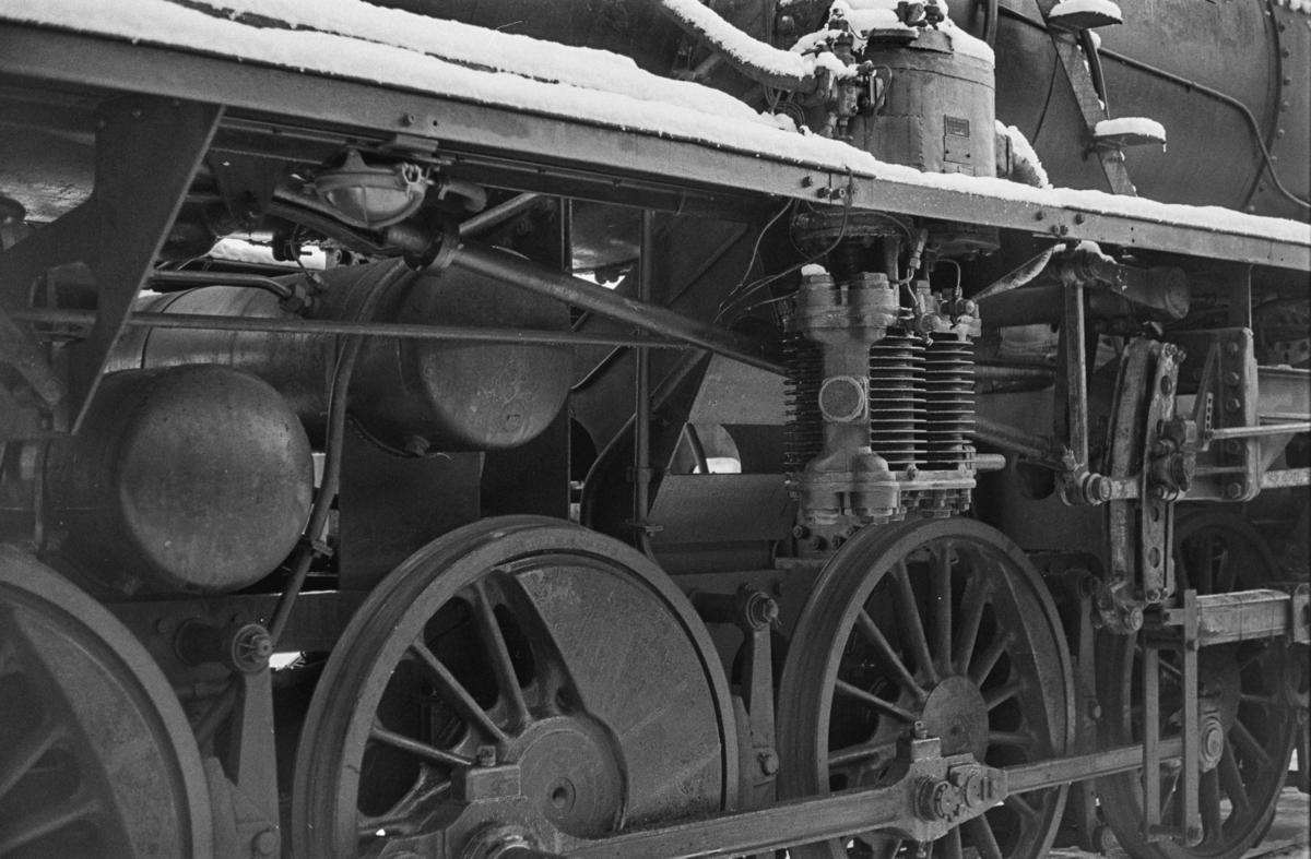 Utrangert damplokomotiv type 63a nr. 4832 på Marienborg. Lokomotivet er underveis til hugging.