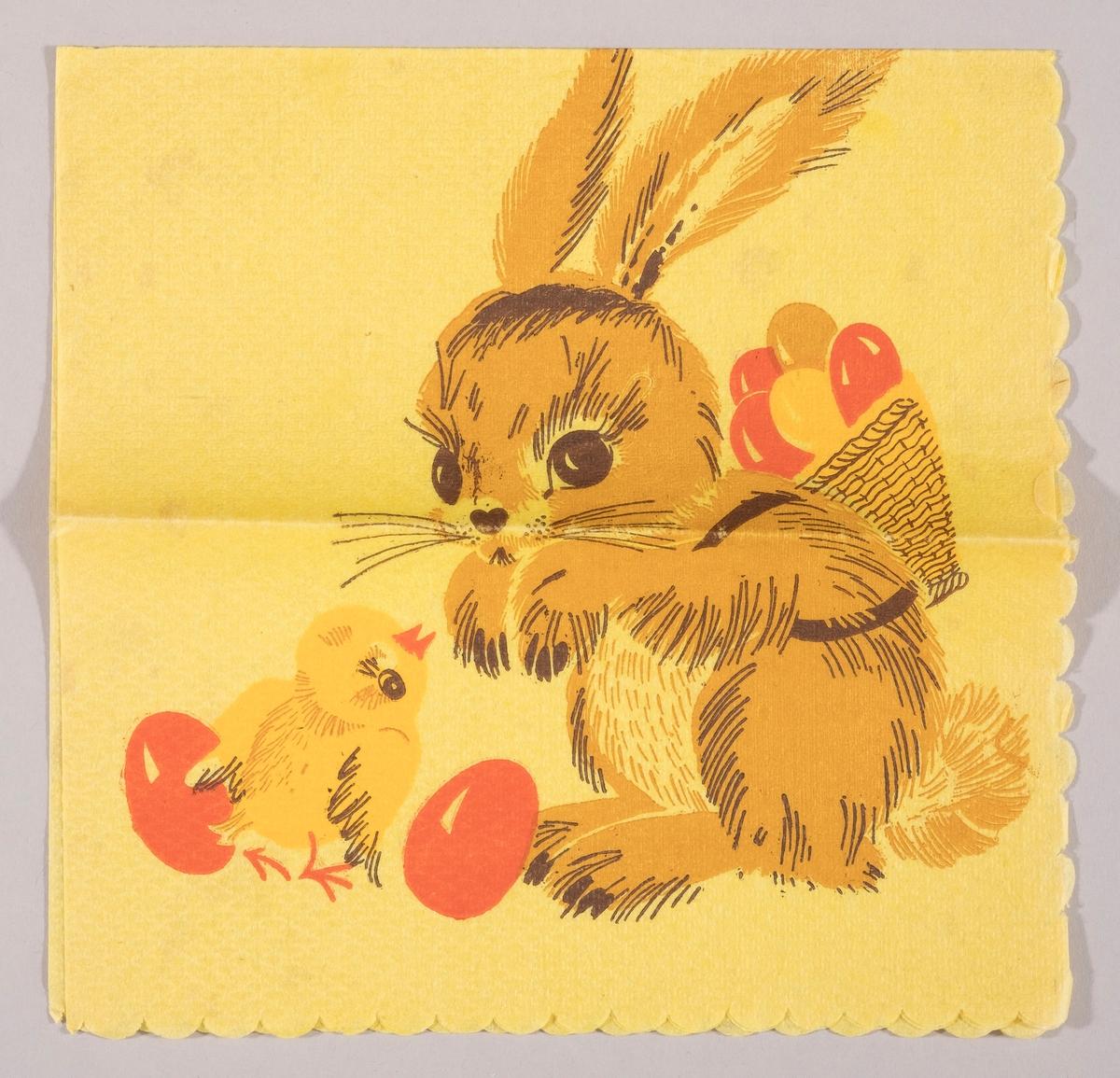 En påskehare med en flettet kurv på ryggen med påskeegg. En kylling mellom to røde påskeegg.