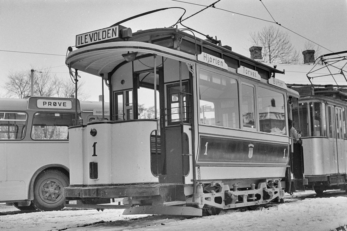 Utflukt med veterantrikker i Trondheim. Sporvogn nr. 1.