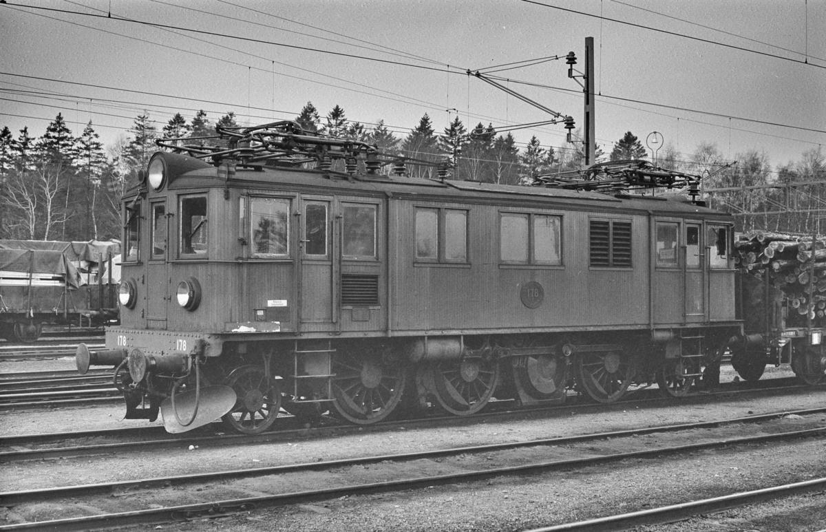 Svensk elektrisk lokomotiv type Dg nr. 178 i Ângelholm i Sverige.