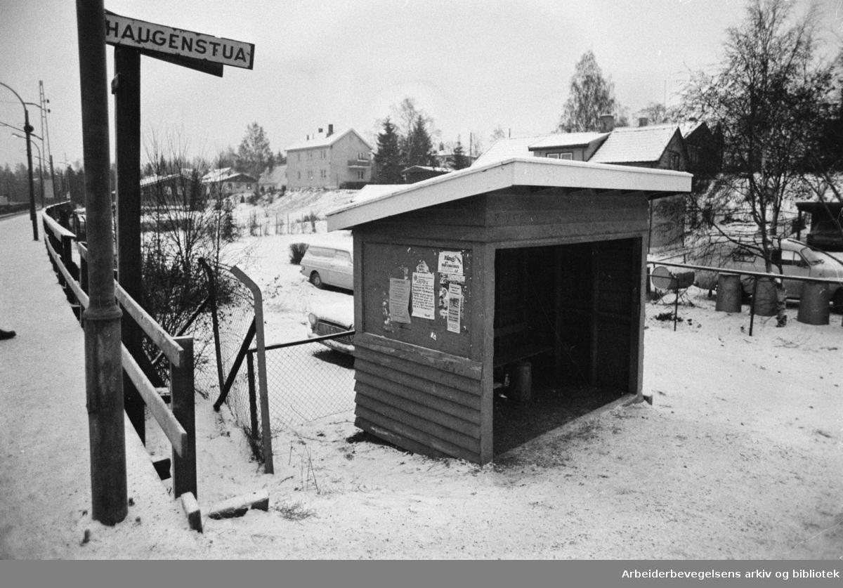 Haugenstua stasjon. Desember 1976