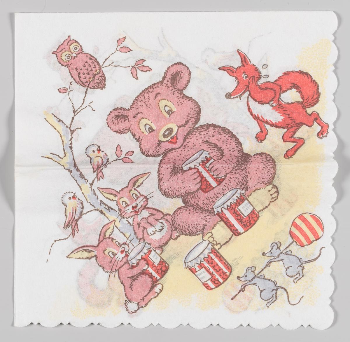 En bjørn og to harer sitter med noen glasskrukker med noe godt i. En rev står og kigger på. To mus bærer på en kjærlighet på pinne. En ugle og to fugler sitter i et tre.