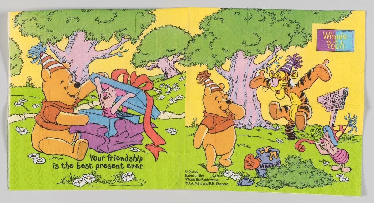 Ole Brumm åpner en presang som Nasse Nøff er inni. Tigergutt og Nasse Nøff gratulerer Ole Brumm som står og ser på.  Ole Brumm (Winnie the Pooh) er en figur fra en barnebok som utkom i 1926 av den engelske forfatteren A.A. Milne. Illustratøren E.H. Shepard tegnet figurene.