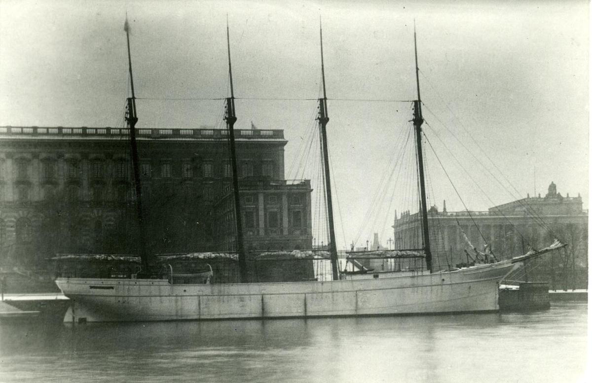 4 mastade skonertskeppet Polstjernan ägdes av Gustaf Erikson 1924-1925.