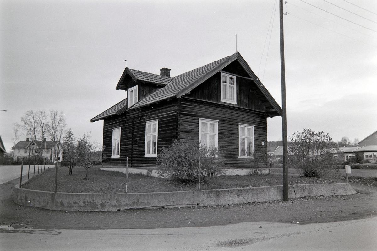 Vognvegen 98, Hamar. Tømmerbygning.