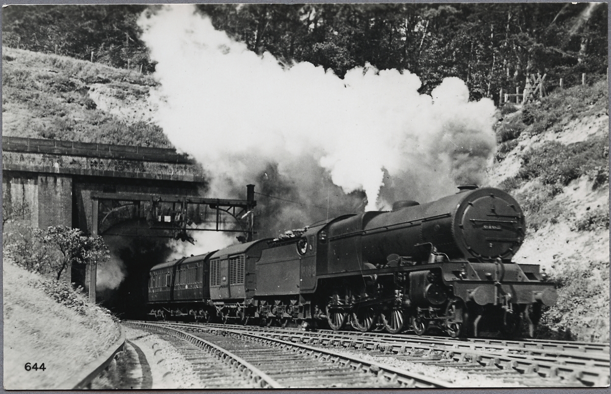 """London, Midland and Scottish Railway, LMS SCOT 6162 """"Queen's Westminster Rifleman""""."""