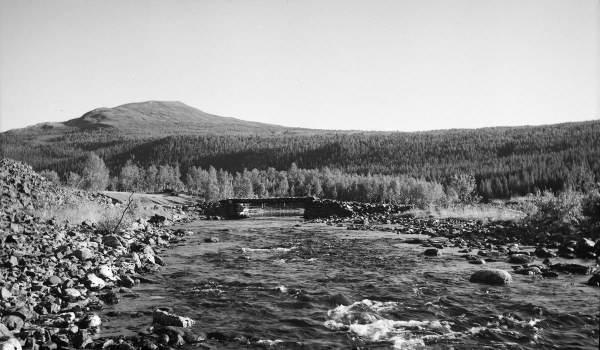 Fra Gausdal Vestfjell? - elv med bru