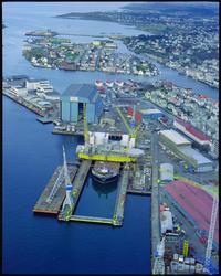 UMOE 14/11-98 - offshore modul lastes på lekter