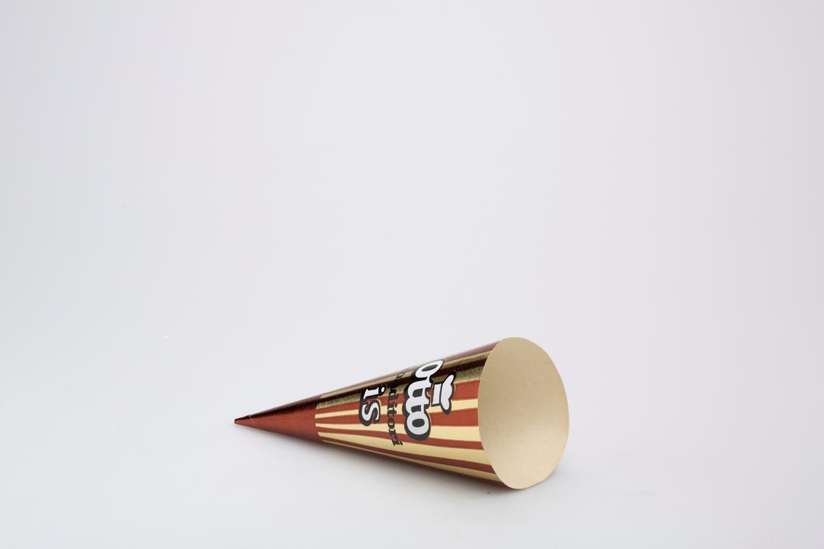 Kjegleformet iskrempapir (kremmerhus) i aluminium og papir. Kremmerhuset er med farger på utsiden, og uten farge (hvit) på innsiden. Iskrempapiret har gullfarget bakgrunn med brun tupp og brune vertikale striper. Logo og tekst i midten.