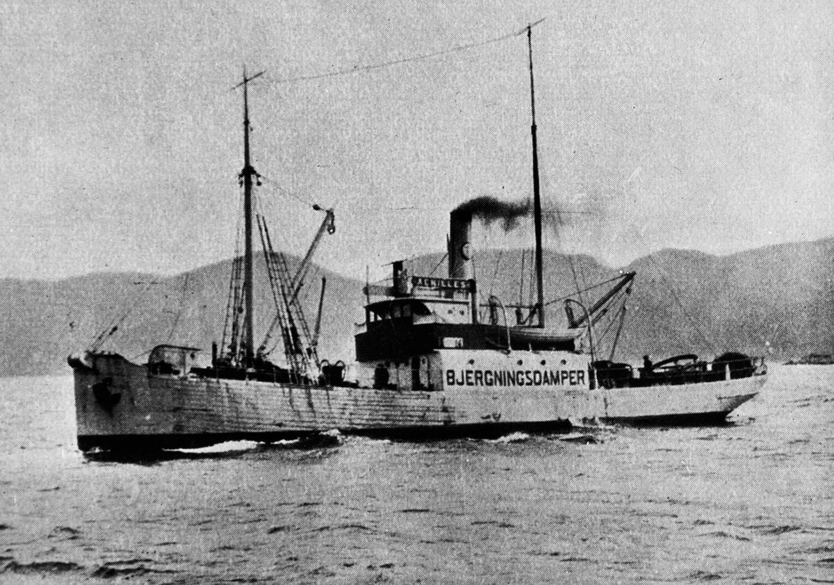 "Bergnings/slepebåten ACHILLES, merket "" bjergningsdamper"" på siden."