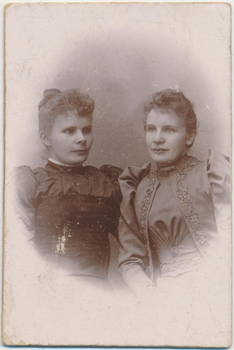 portrett av Hulda Kristensen og Gitta Reusch